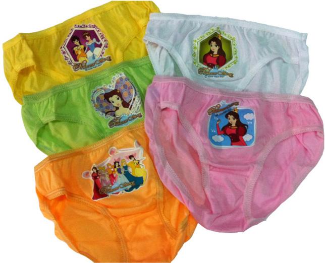 กางเกงในเด็กผู้หญิง Princess ขอบยางเล็ก แพ็ค 4 ตัว